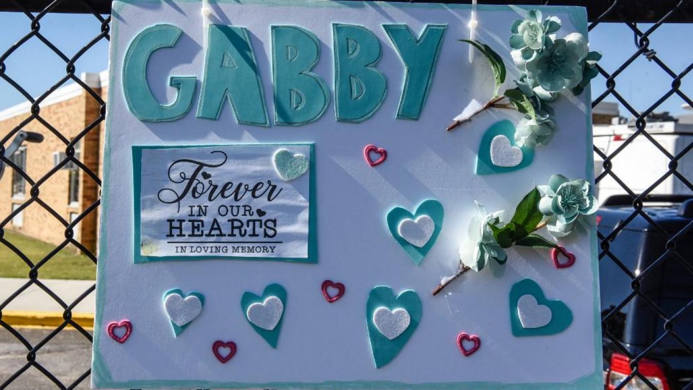 Meurtre de Gabby Petito: les affaires de son fiancé en fuite et des restes humains retrouvés