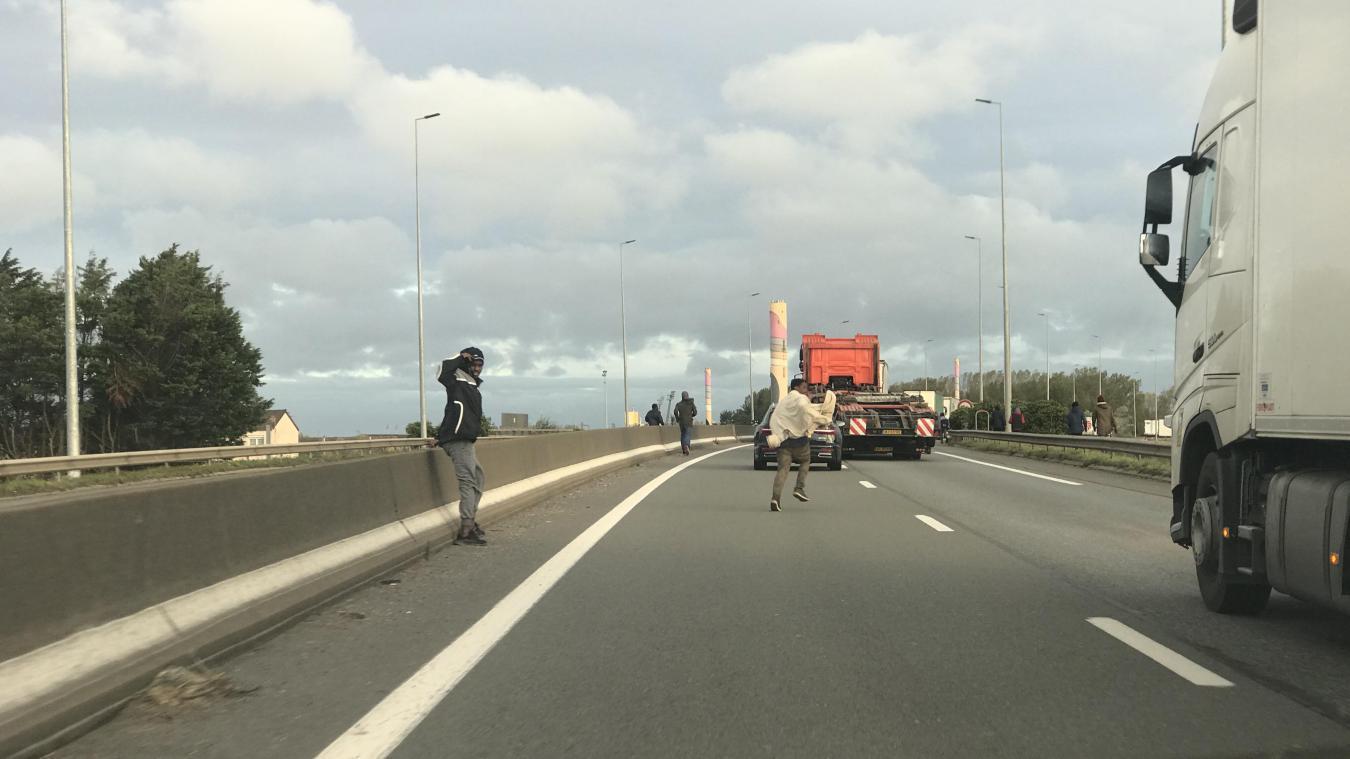 Calais: bouchons et perturbations vers le port, l'accès à la rocade fermé depuis l'A16