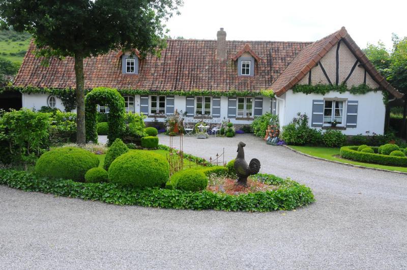 dans le style longre la maison des champs offre un dcor paradisiaque