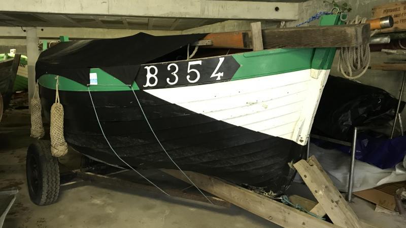 La plupart des flobarts sont entreposés dans un hangar situé sous une dalle en béton.
