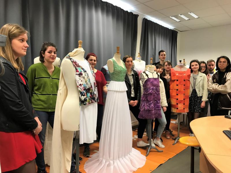 Tourcoing - Les robes des petites mains de Sévigné vont défiler à la ...