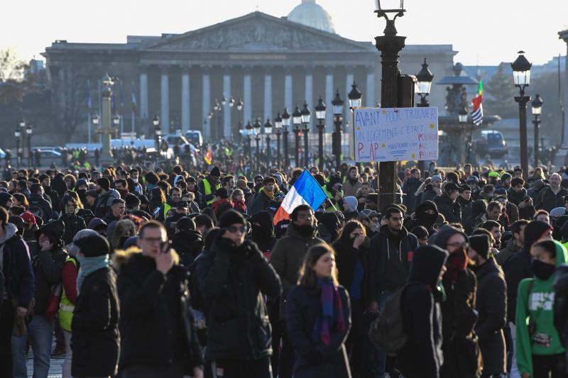 319b435384c Le ministère de l Intérieur a pour sa part comptabilisé 137.200 manifestants  dans toute la France  c est mieux que lors des 10 derniers «actes» (sur 12)  de ...