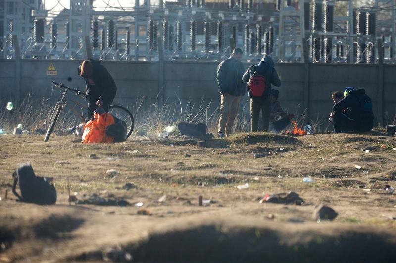 Après le démantélement, les migrants ont réinvesti les lieux. Photo Johan Ben Azzouz