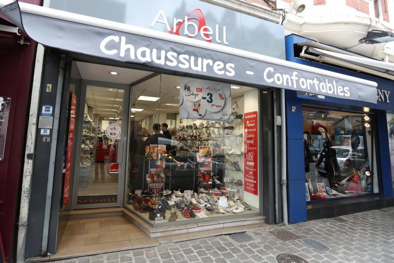e6f8156a192471 La « chaussure confortable », c'est la marque de famille du magasin,