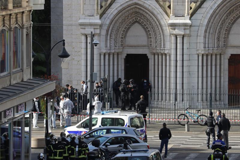 L'attaque a eu lieu dans la basilique Notre-Dame. PHOTO AFP