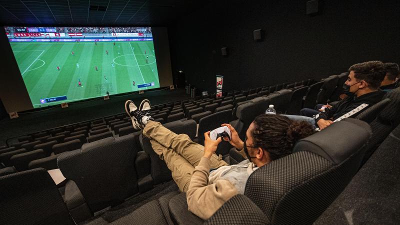 Le confort de la salle, la magie de l'écran géant...